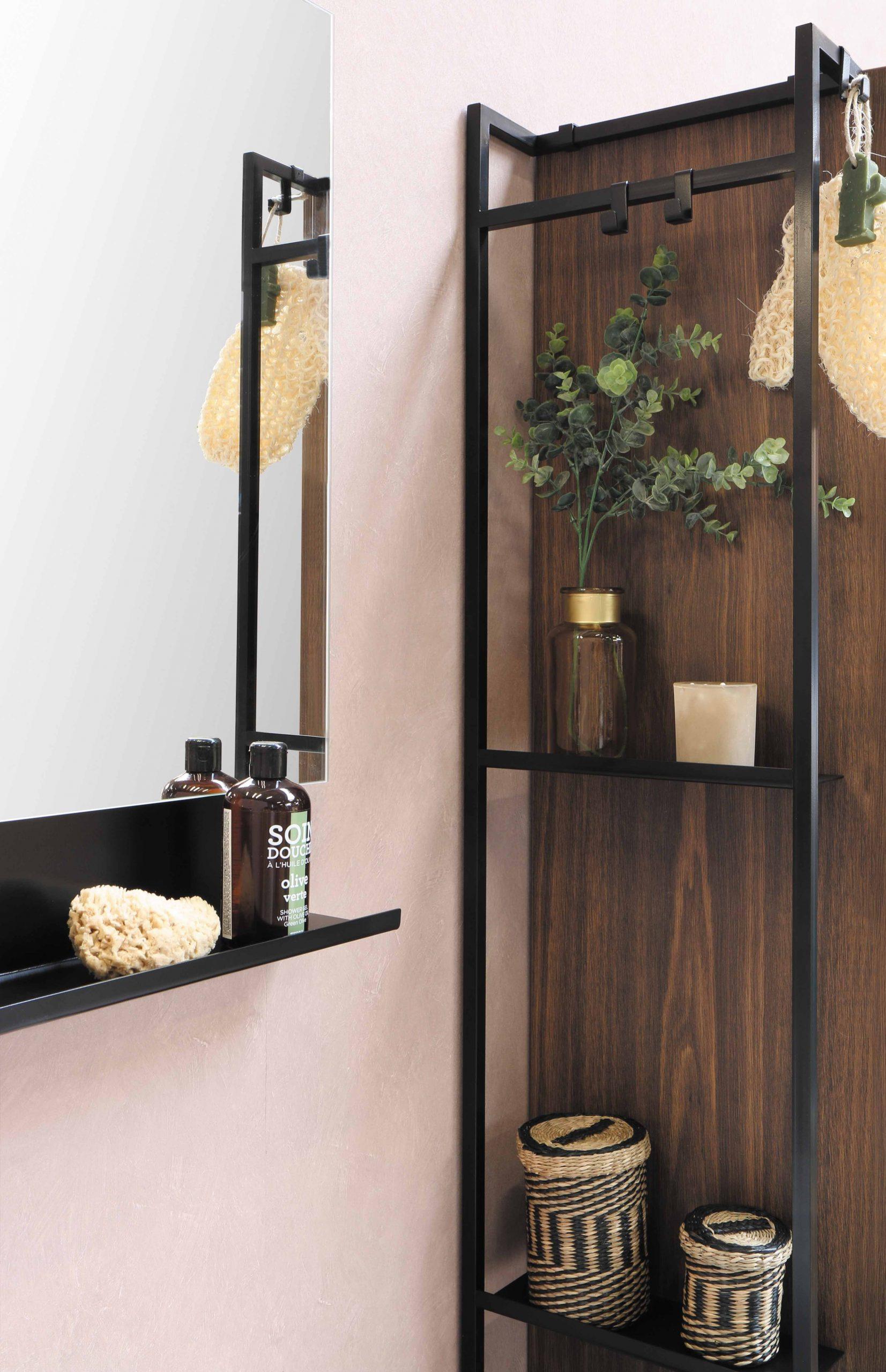 baño con elementos en madera